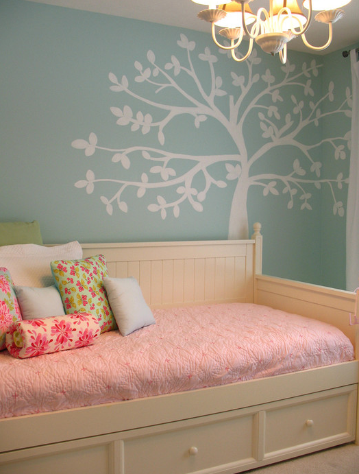 decal tree girls room